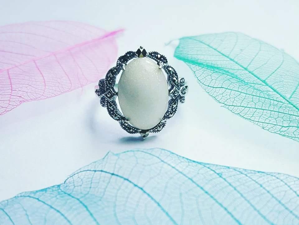 Breastmilk Leaf Ring Uk